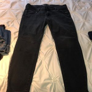 Grey/ black wash skinny jean w zipper pockets